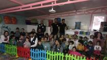 Kardelen Kreş'de Paylaşmak Güzeldir'den Çocuklara Tiyatro