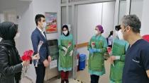 AK Parti'den Hemşirelere Ziyaret